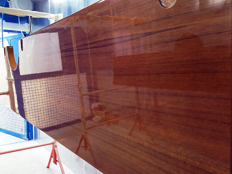 Varnish High Gloss Finish Wood Azur Yacht Coatings
